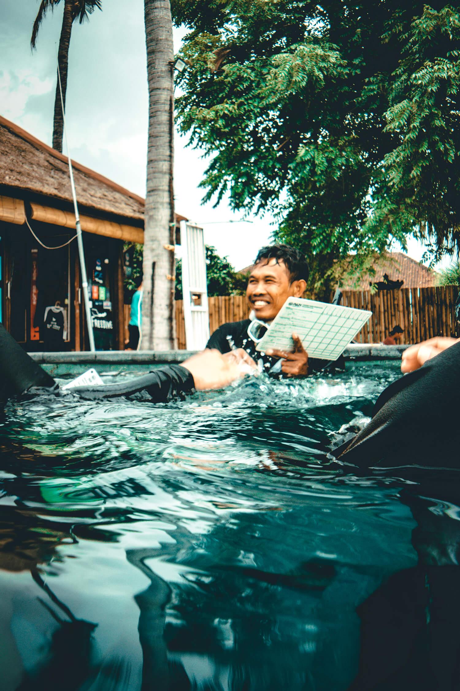 BlueCornerDive_Bali_IDC_Bahasa_Pool_2000px.jpg