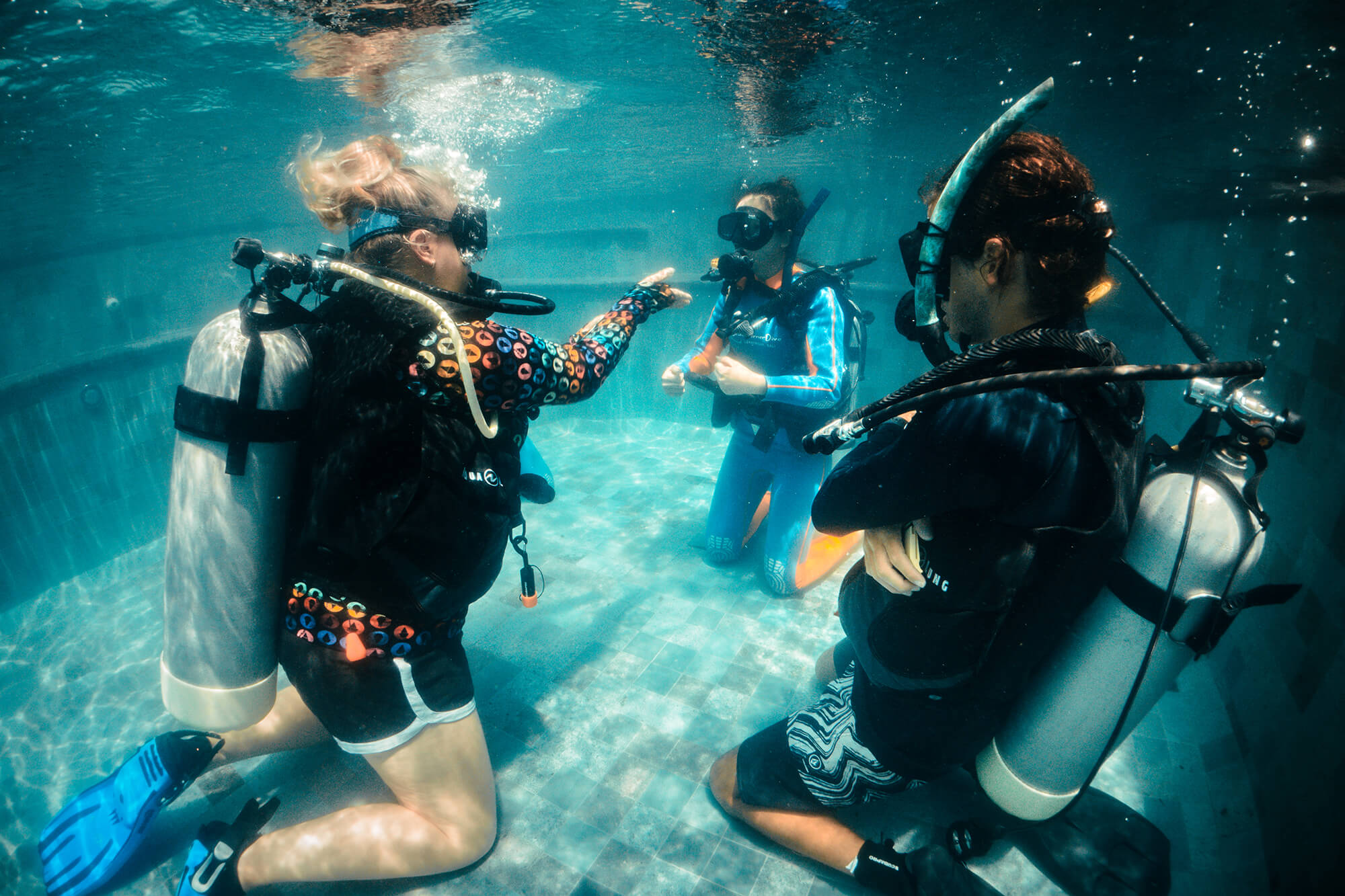 BlueCornerDive_Bali_IDC_NusaPenida_PoolSkills_2000px.jpg