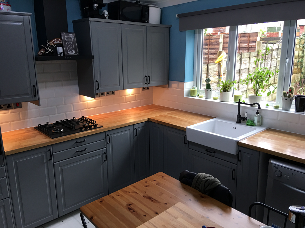 solid wood worktop dark.png