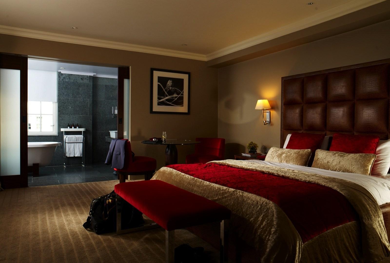 kingsize bed @ Mayfair hotel