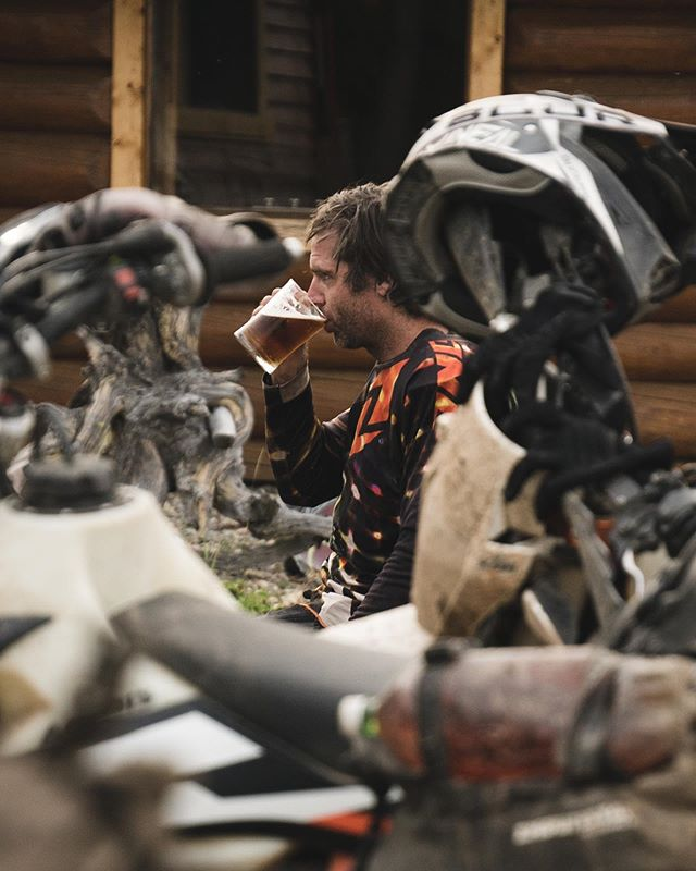 The harder you work for it, the better it tastes. @lobsterpauljr enjoying a cold one at Taseko Lake Lodge. Going lodge to lodge meant we didn't have to carry more than tools, a first aid kit and a jacket. Light weight and luxury at the end of each day to boot.  @revit_adventure @enduristan  #chilcotins #taseko #upshift_online #dualsport #beer #makeapresgreatagain #advlife #ktmexc