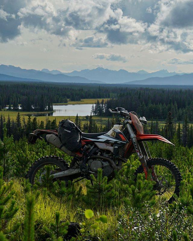 Big country.  @enduristan @revit_adventure  #chilcotins #explorebc #canada #adventure #upshift_online #pnwdualsport #dualsport #enduro #blizzard
