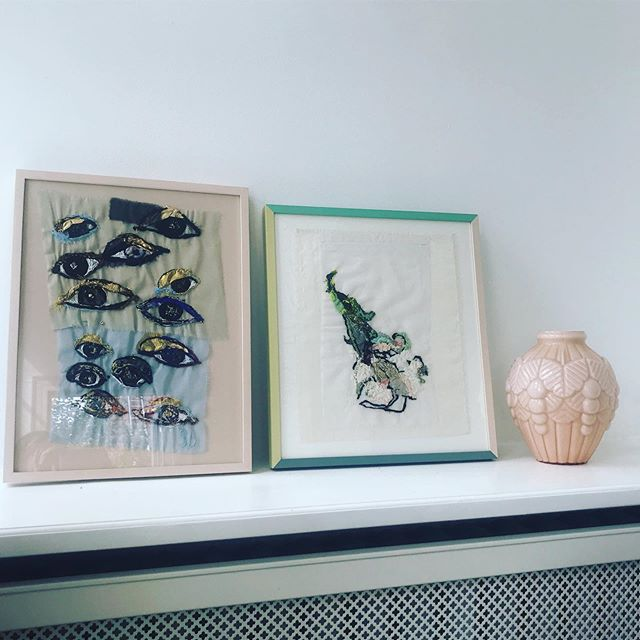 Loving these painted frames - not to mention embroideries. Pure perfection✨ Frames seen chez lovely @asoland artwork by #sarahbecker . . . . . . #friends #inspiration #worthwhileme #style #interior #art #embroidery #danish #home #lovely #perfection #frames #colours #combinations