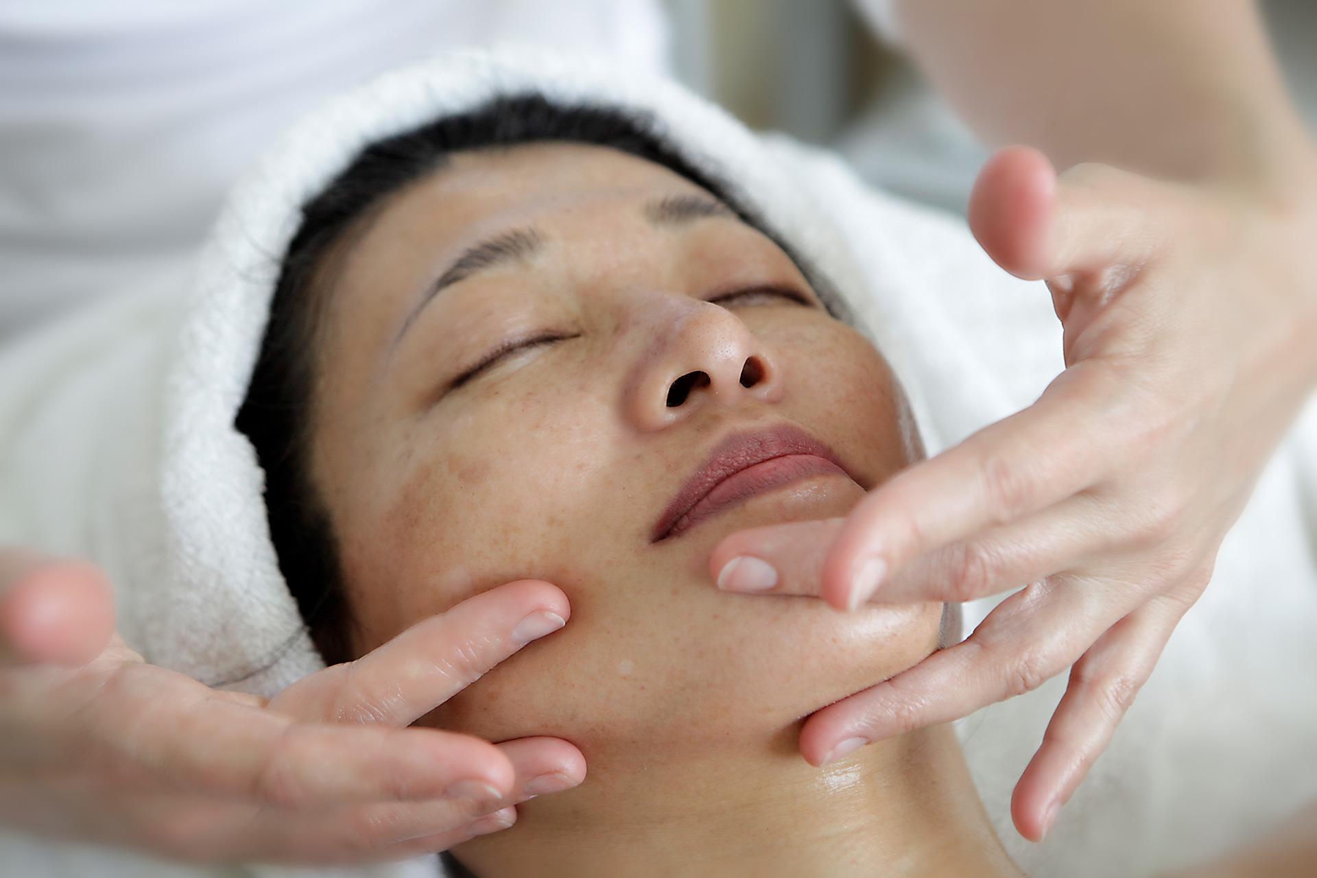 face massage-asian.jpg