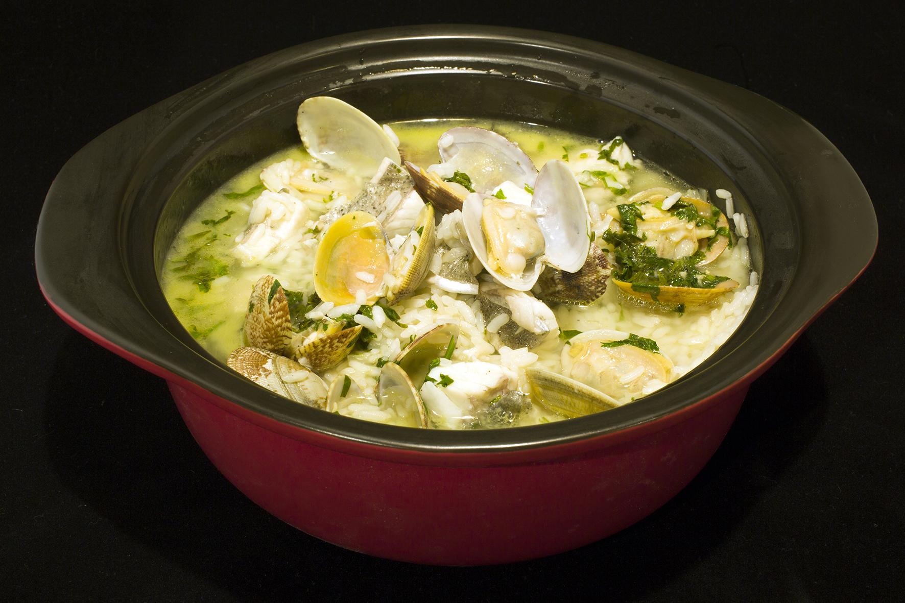 Wet Sea Bass Rice with Clams & Lemon Sauce. 葡式鮮蜆鱸魚飯