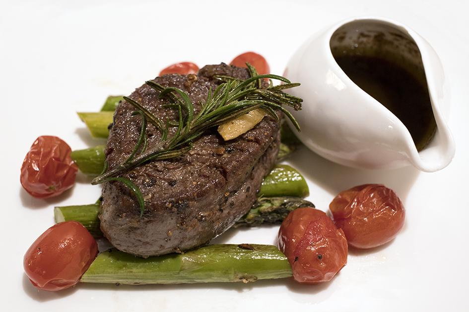 Angus Tenderloin Steak (200 grams). 安格斯牛柳(200克)