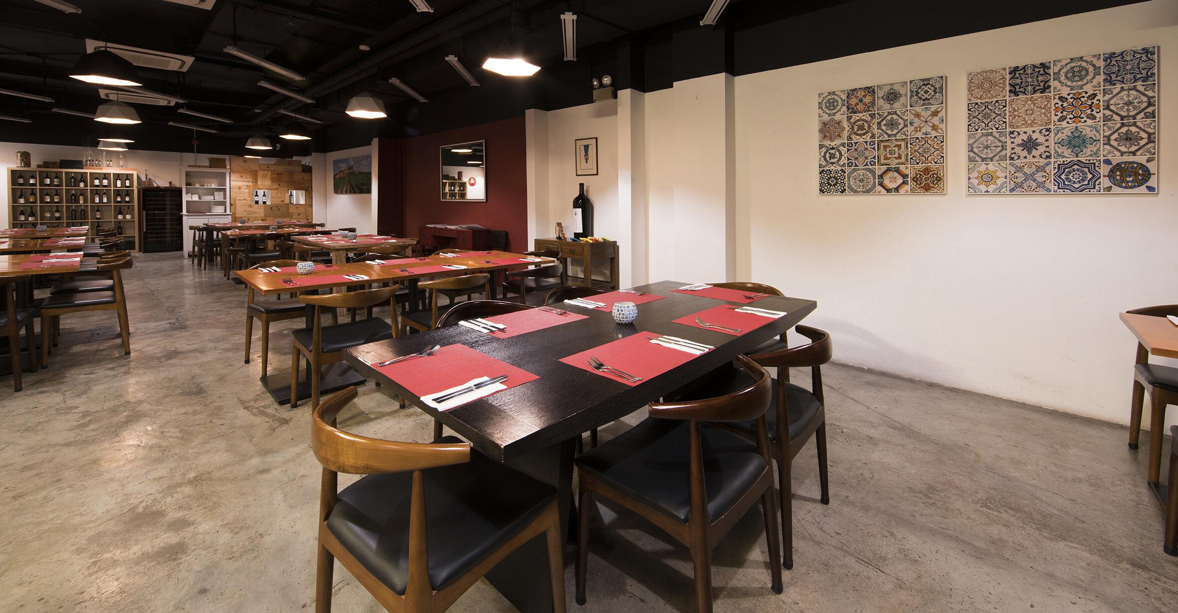 Le Cesar Old Taipa-Dining room2.jpg