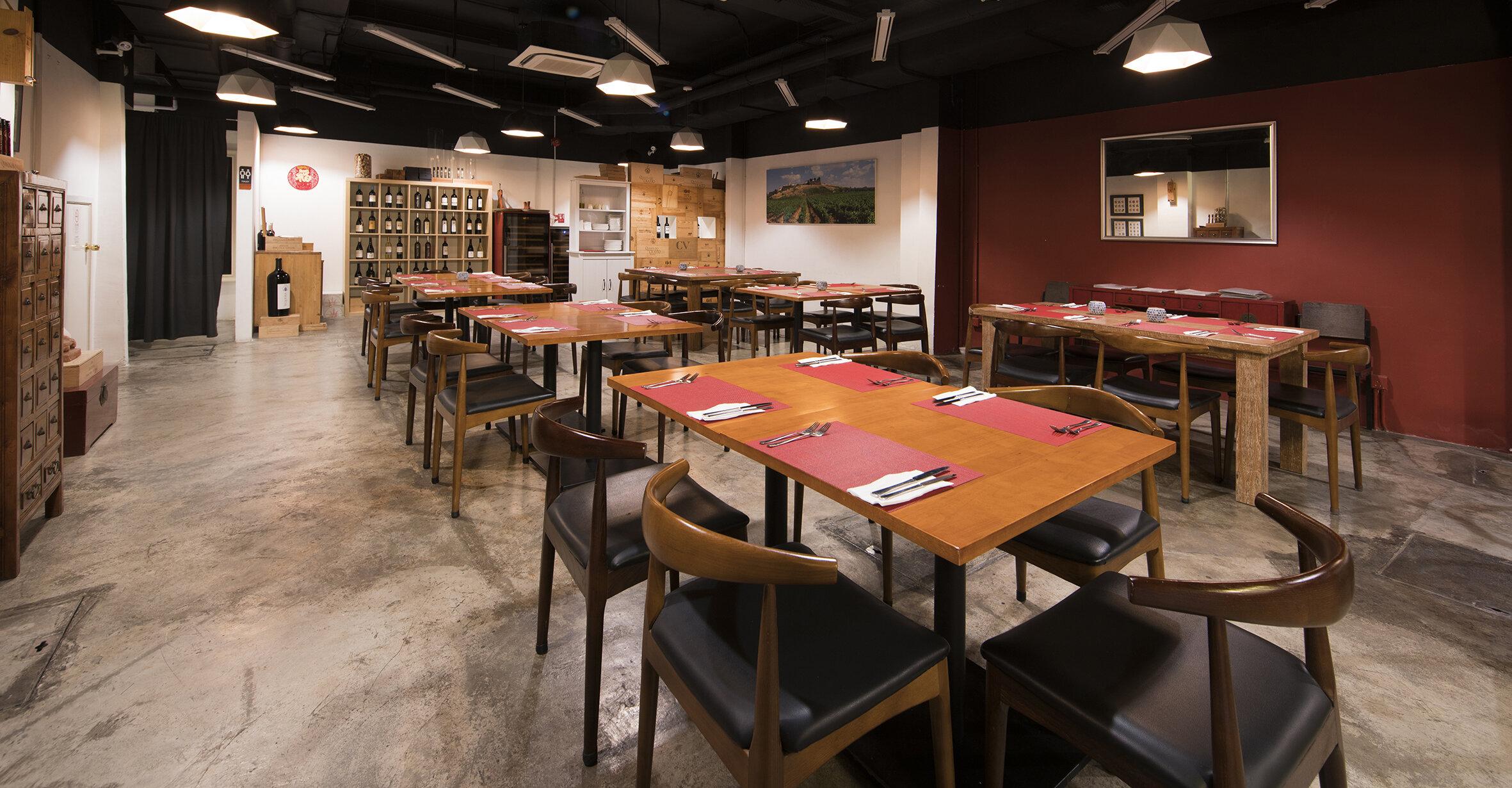 Le Cesar Old Taipa-Dining room3.jpg