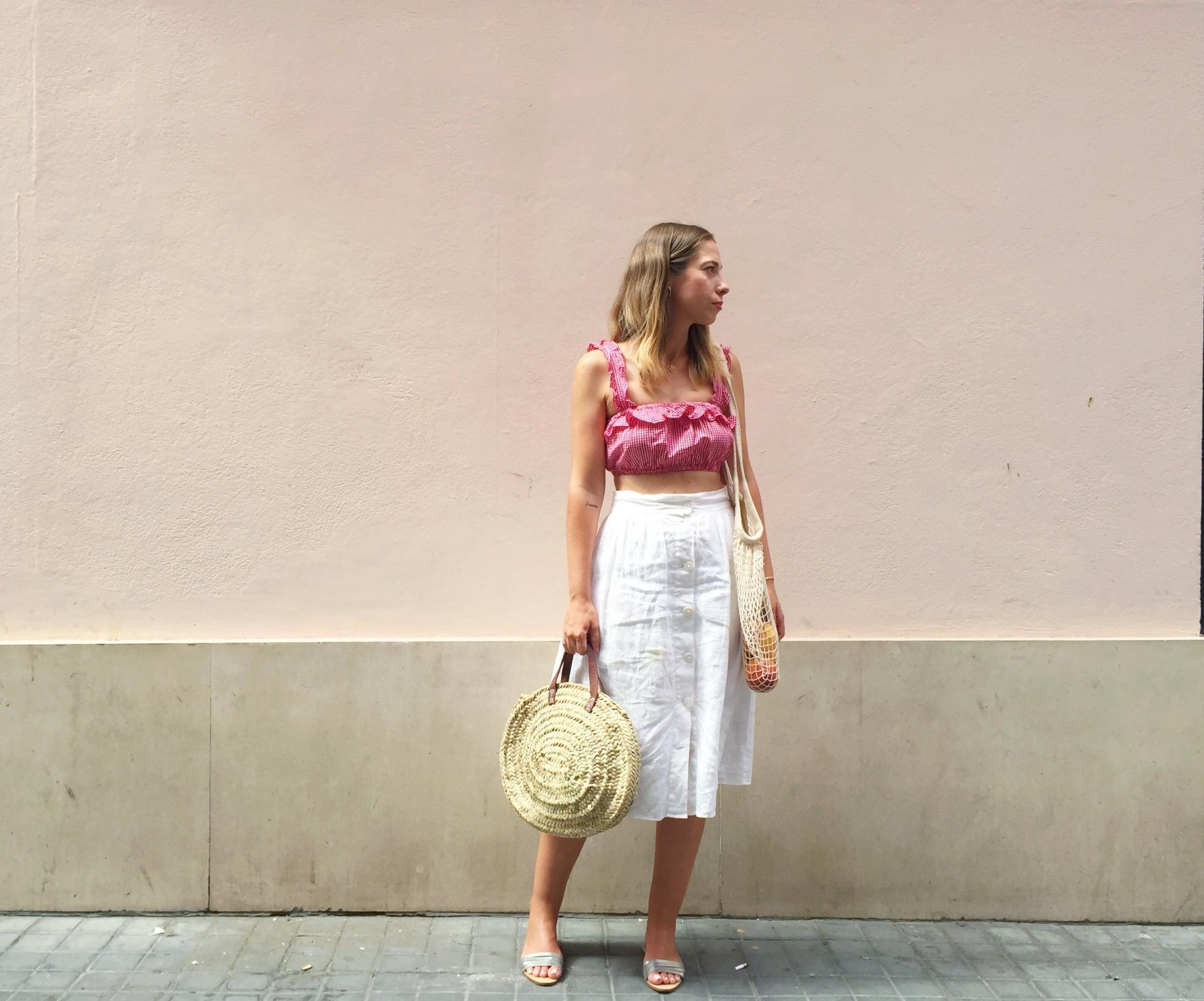 Flor de Lis B. Ruiz - Apasionada del mar, las palmeras y los colores pastel. Creativa, soñadora, creadora de Sandinmyshoes DECO.Le gusta fotografiar e inspirarse en el día a día.Madrid - España
