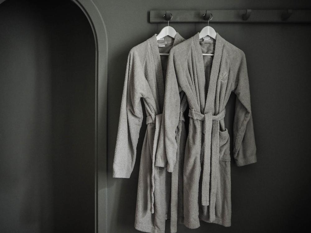 camellas-lloret-robes.png