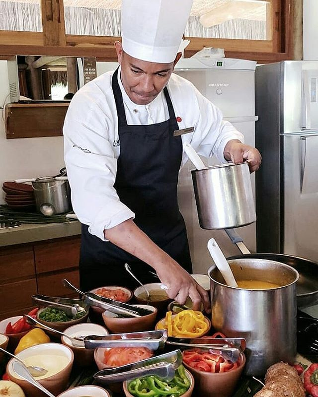 Hoy cocinaron para nosotras... No queremos que esto termine nunca 😊 . #viajarInspiraStories #cook #food #brasil #blogdeviajes #travelBlog #instafood #viajarinspira #compartir  @tivoliecoresort