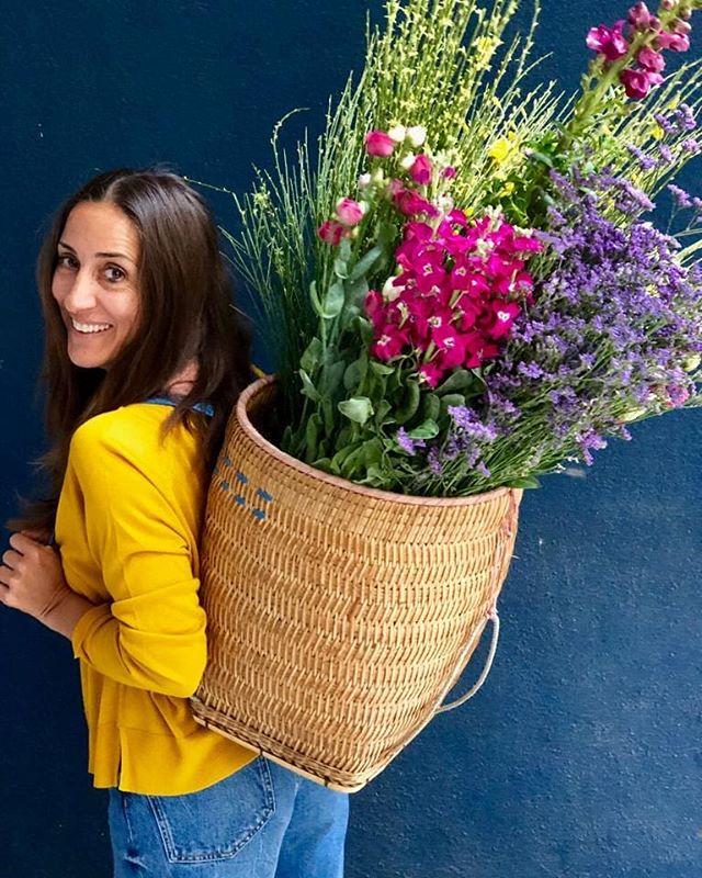 Ella es Majo @mercado_decoracion y con ella diseñamos un viaje  súper inspirador...Italia mágica ! . El plan? Roma y La Toscana desde la mirada de Majo, lugares fuera de los circuitos turisticos comunes, pueblos de ensueño, decoracion, workshops, paseo en fititos por Roma... El viaje va a ser increíble ! Vamos? . Toda la info entrando al link en bio! . #viajarinspira #colaboradorasdeviajarinspira #italia #viajesindpiradores #compartir #travel #travelblog