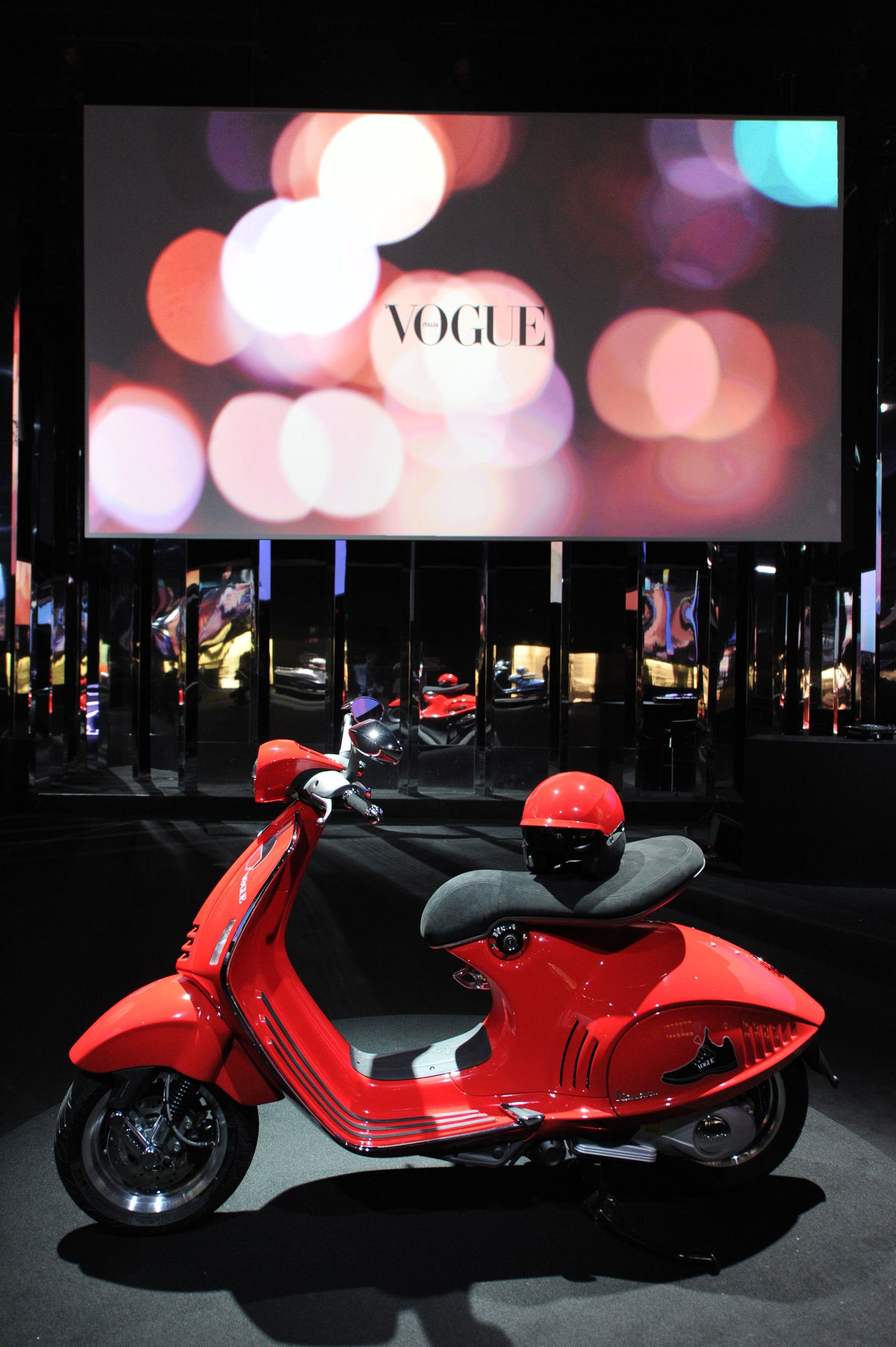 Vespa 946 Vogue 2.jpeg