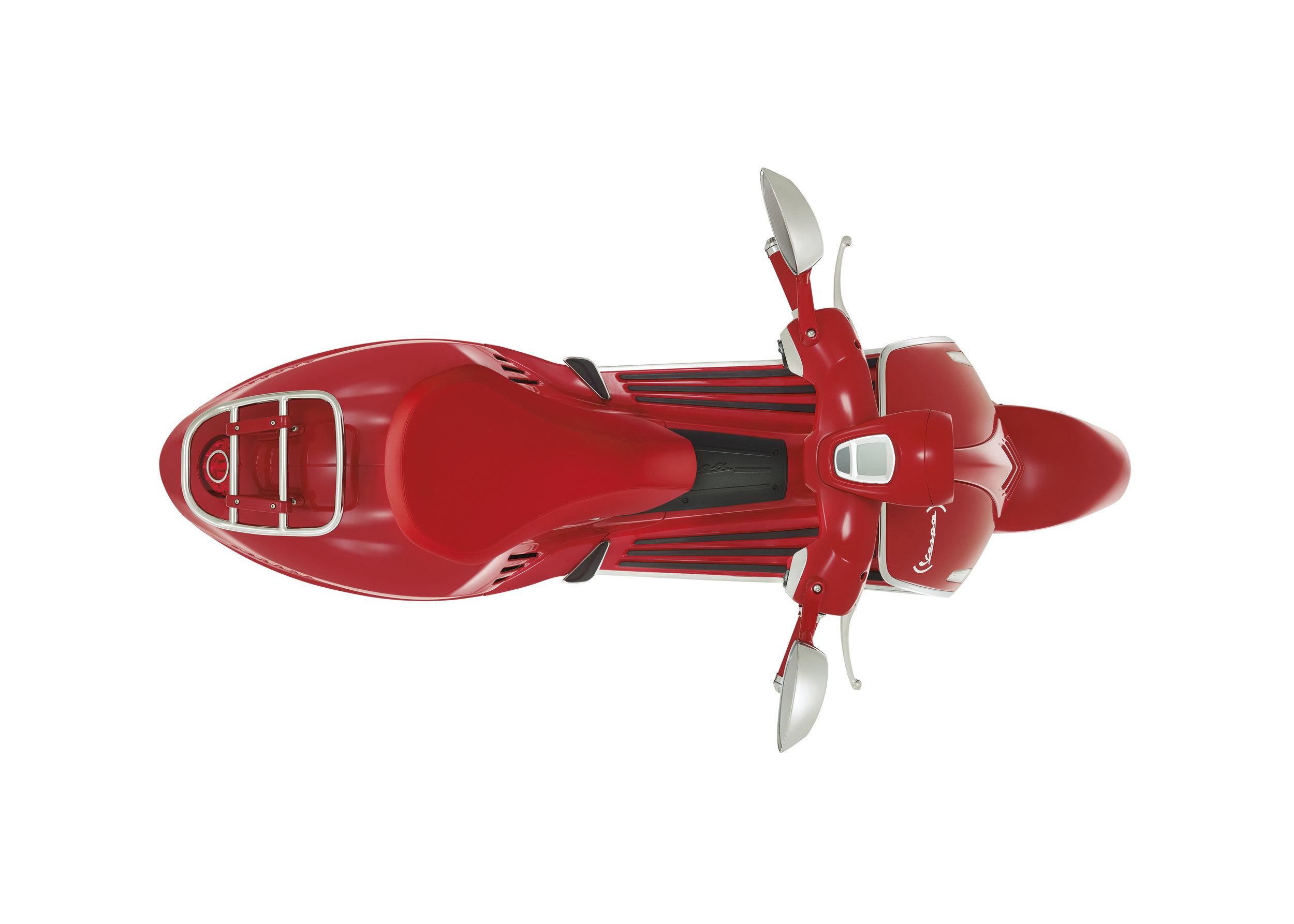 (Vespa 946) RED  (14).JPG