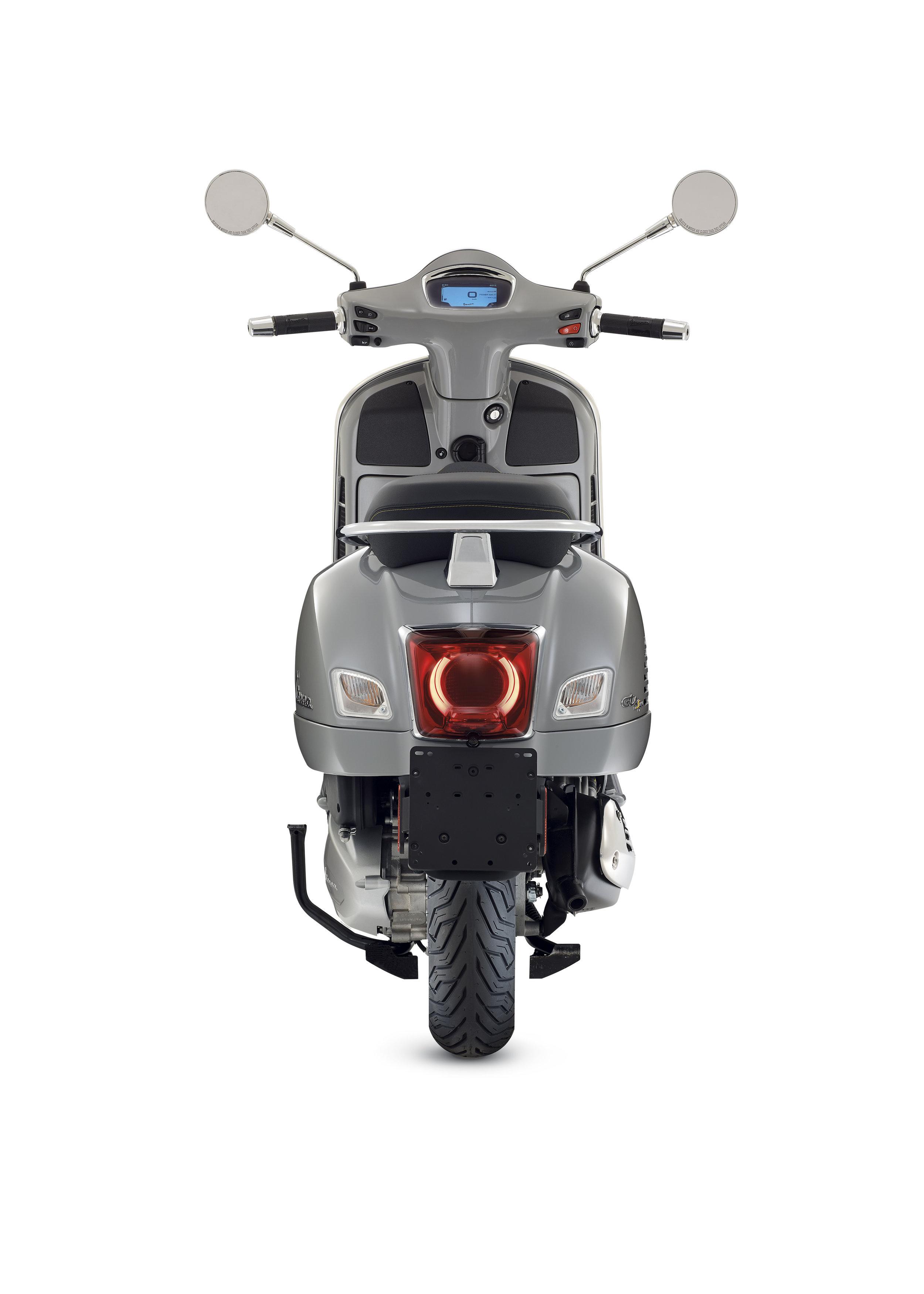 10 Vespa GTS SuperTech.jpg
