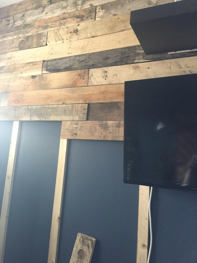 3 - keep doing that till you reach the end and you be all done x - dont worry if all the pieces are not resting on every batten - the imperfections and irregularities in the wood - give off a lovely texture - that wall shpuldnt be flat - its not a wallpaper ;)