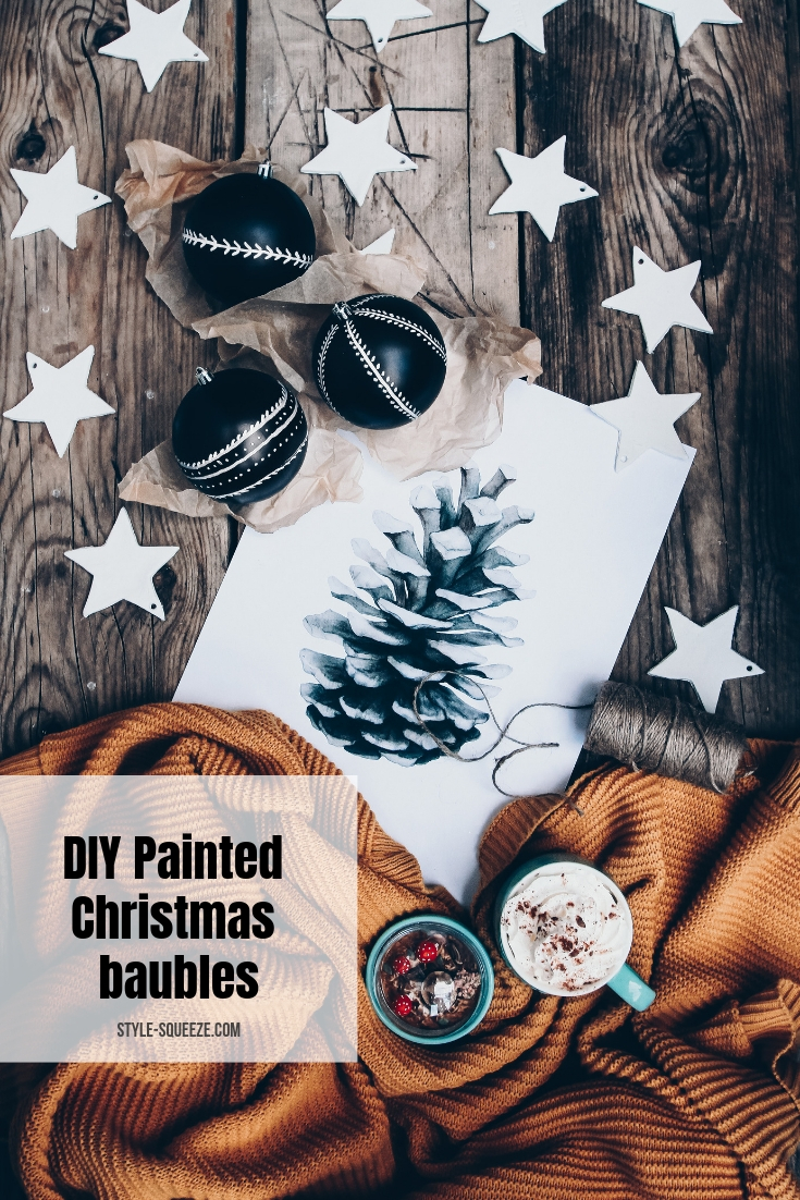 DIY Painted Christmas baubles