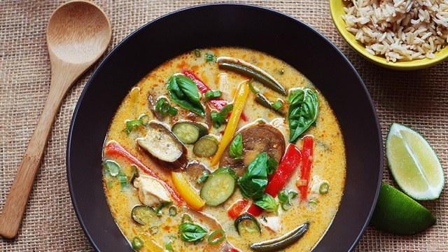 lemongrass-cocnnut-curry-summer-vegetables-646.jpg