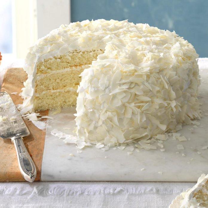 Favorite-Coconut-Cake_EXPS_CWFM17_39030_B11_02_5b-696x696.jpg