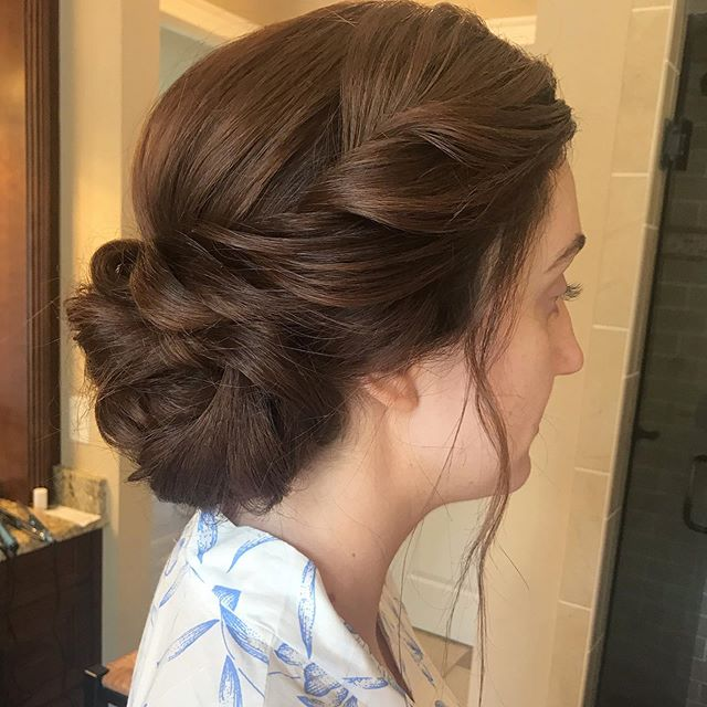 This upstyle will never get old. Bridesmaid style from today's wedding. ✨ . . . #hairstyle #bridesmaid #hair #updo #bun #wedding #weddinghair #bridalhair #ncwedding #ncbridalspecialist #caryhairstylist