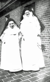 Mother Mary of the Blessed Sacrament (left)with Mother Mary of the Sacred Heart.