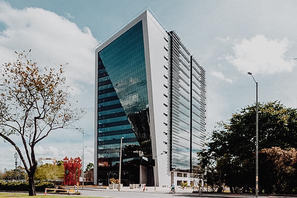 Centro Empresarial Paralelo 26 -