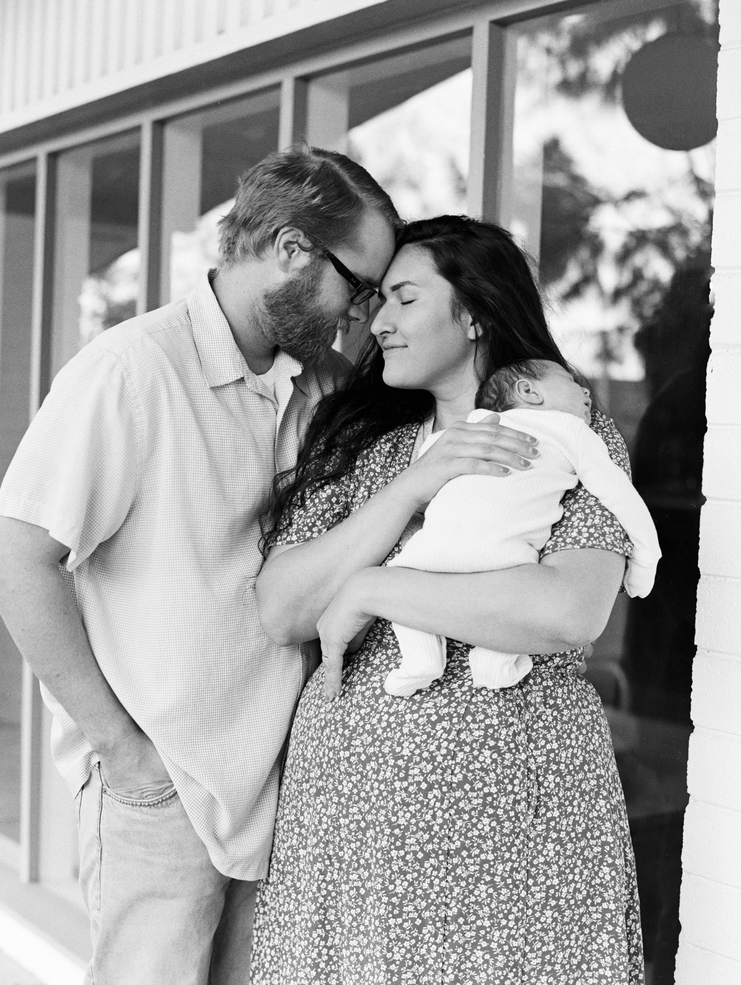 kelsandmichael_familyphotography_carmacknewborn-7.jpg