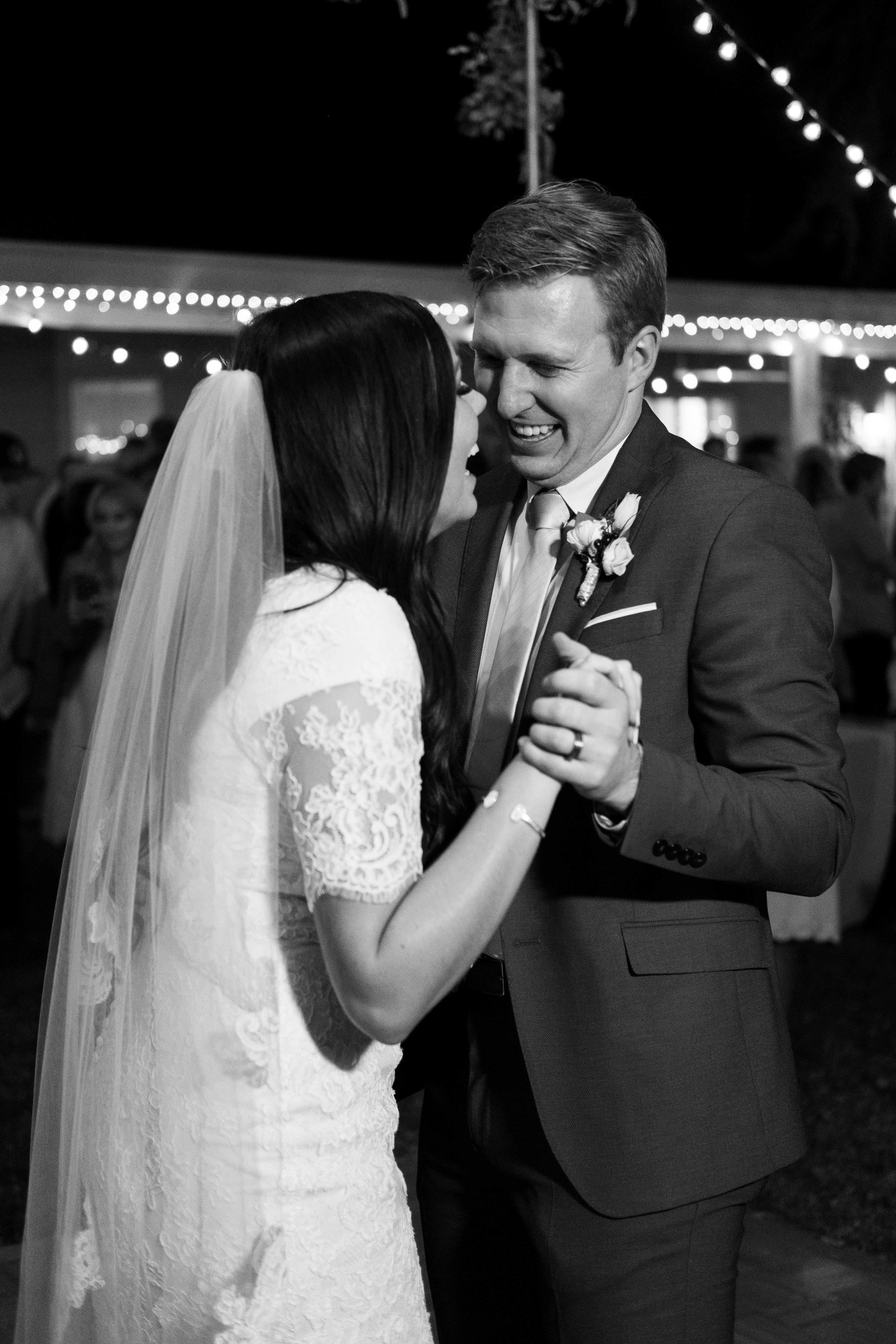 kelsandmichael_weddingphotography_coffey-255.jpg