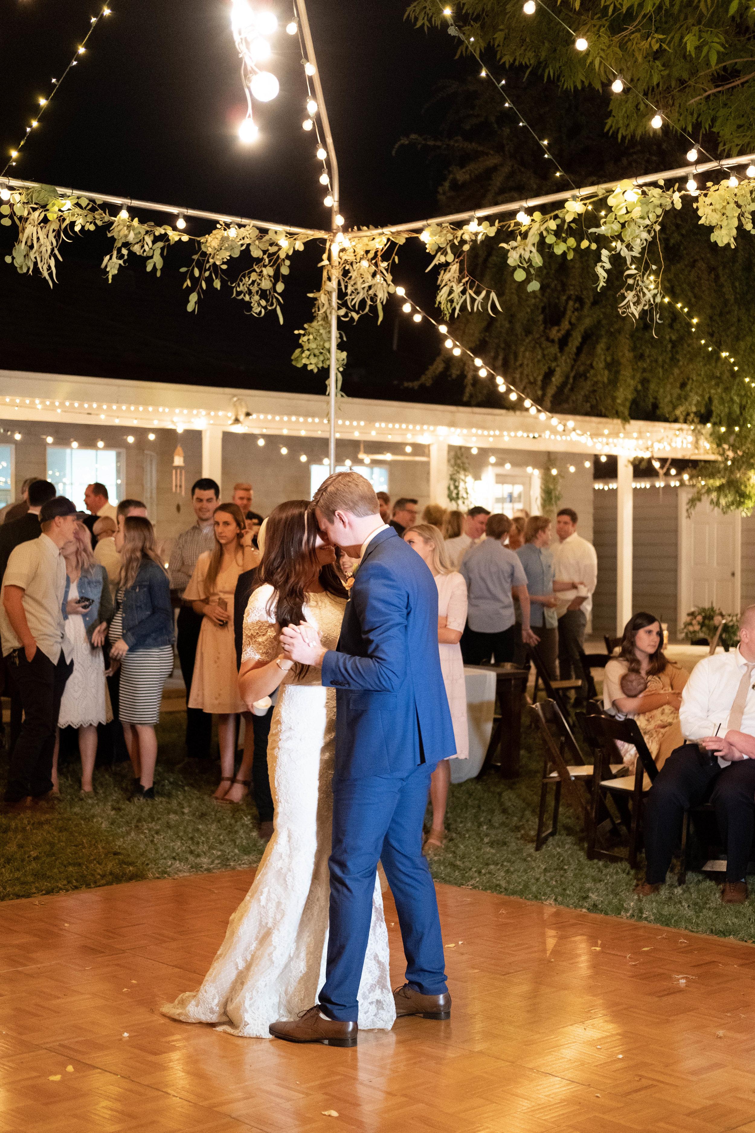 kelsandmichael_weddingphotography_coffey-251.jpg
