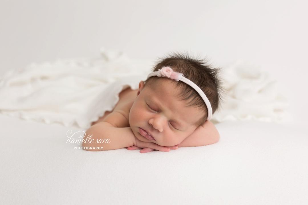 newbornphotographermaryland_0006.jpg
