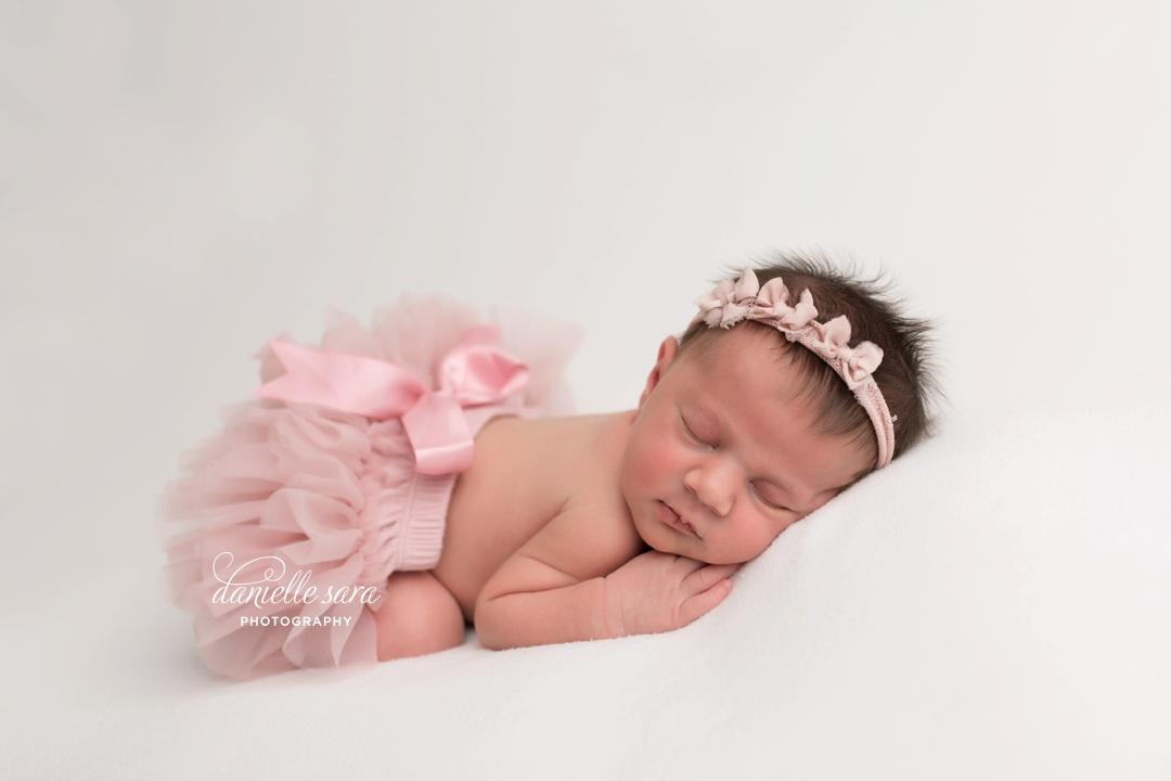 newbornphotographermaryland_0011.jpg