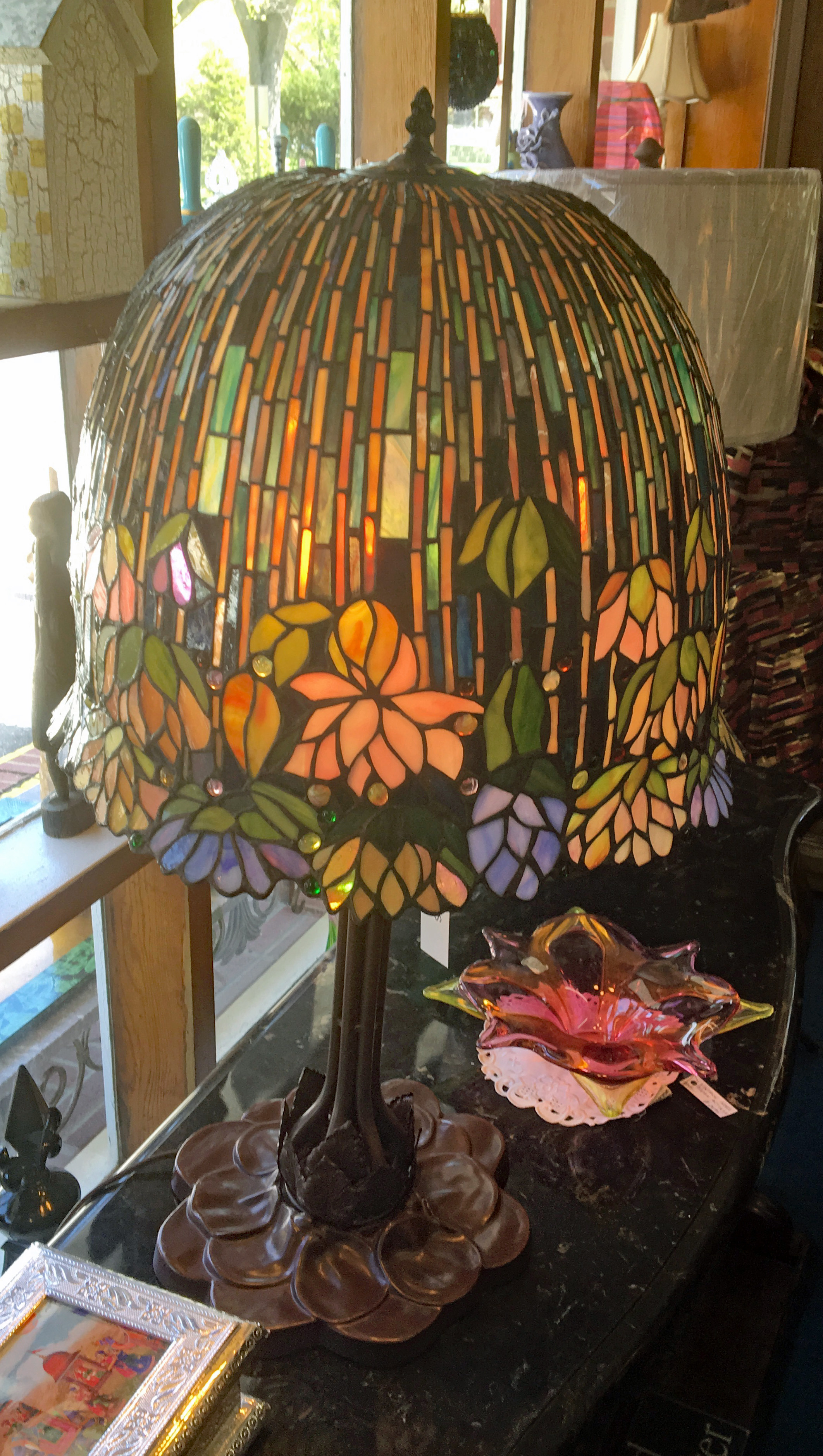 Stunning Tiffany Style Lamp