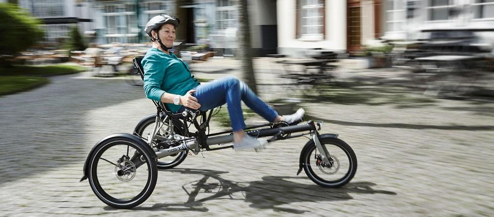 Version faltbar, gefederte Hinterräder hohe Federungseinstellung, hohe Sitzposition,