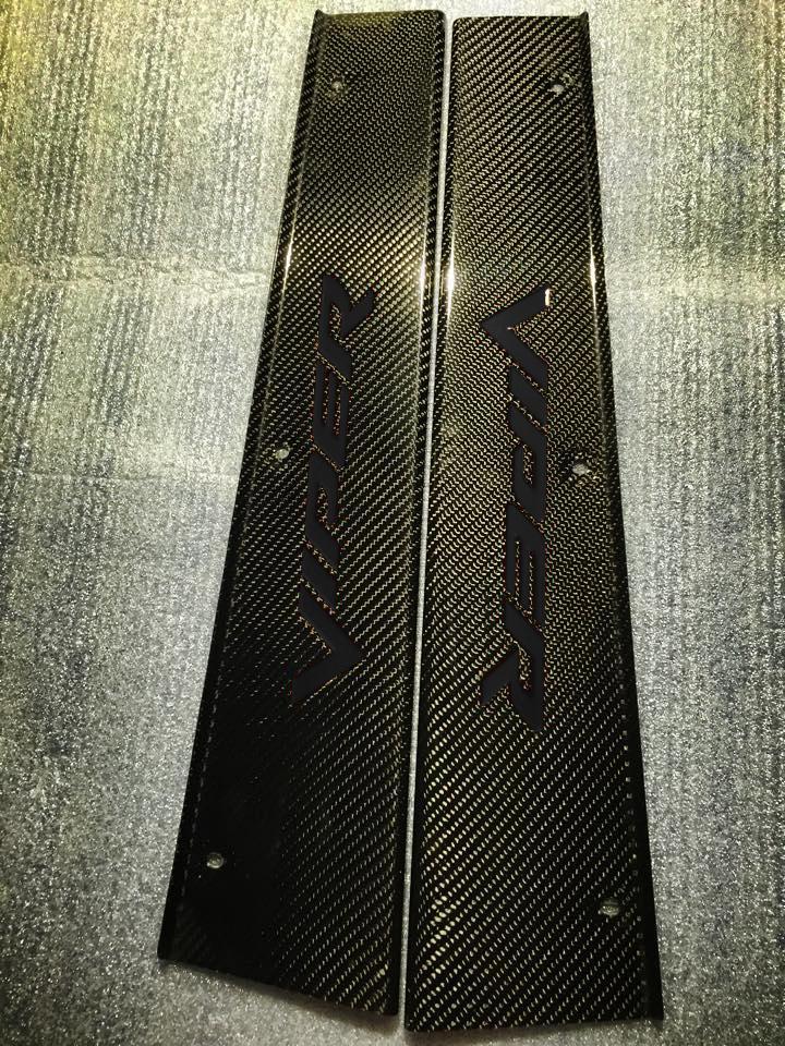Black  / Carbon