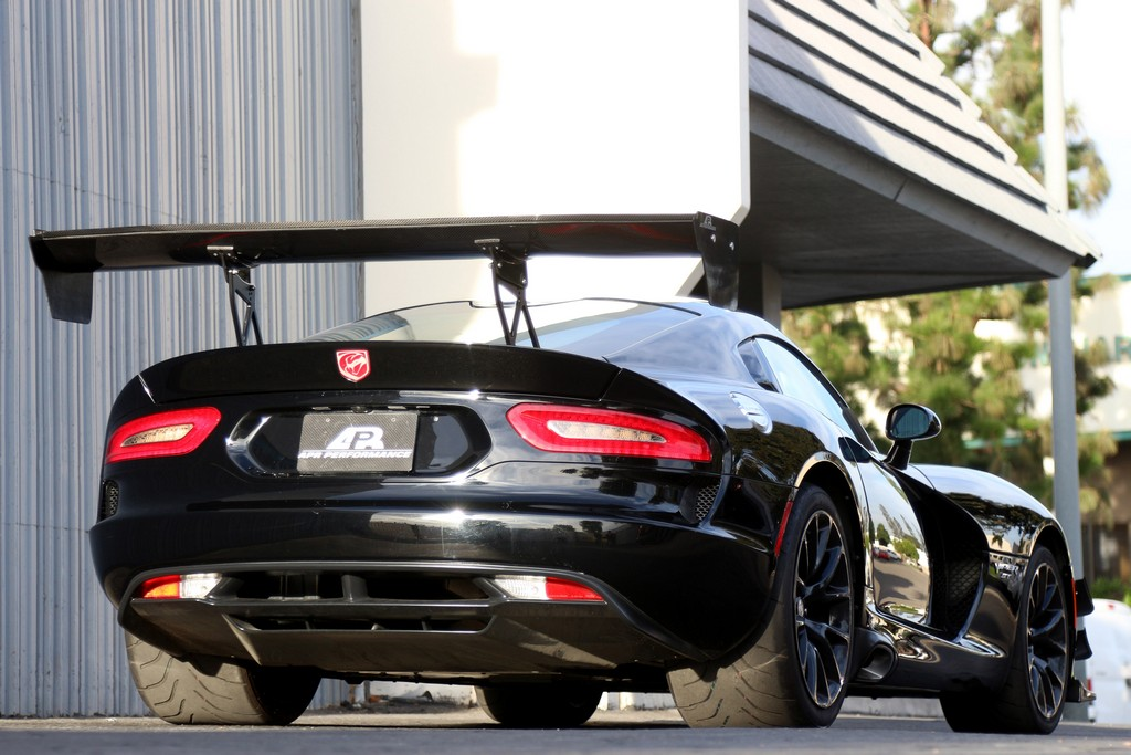 APR performance GT wing