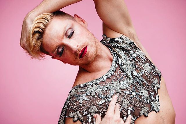 When gray days get you down, remember what magic there is in your own body.  #tbt to this super fun photo shoot with this talented guy 👉🏻 @willbranske . . . #genderqueer #queer #gayguys #gayswithscruff #lipstickandmuscles #scruffandlipstick