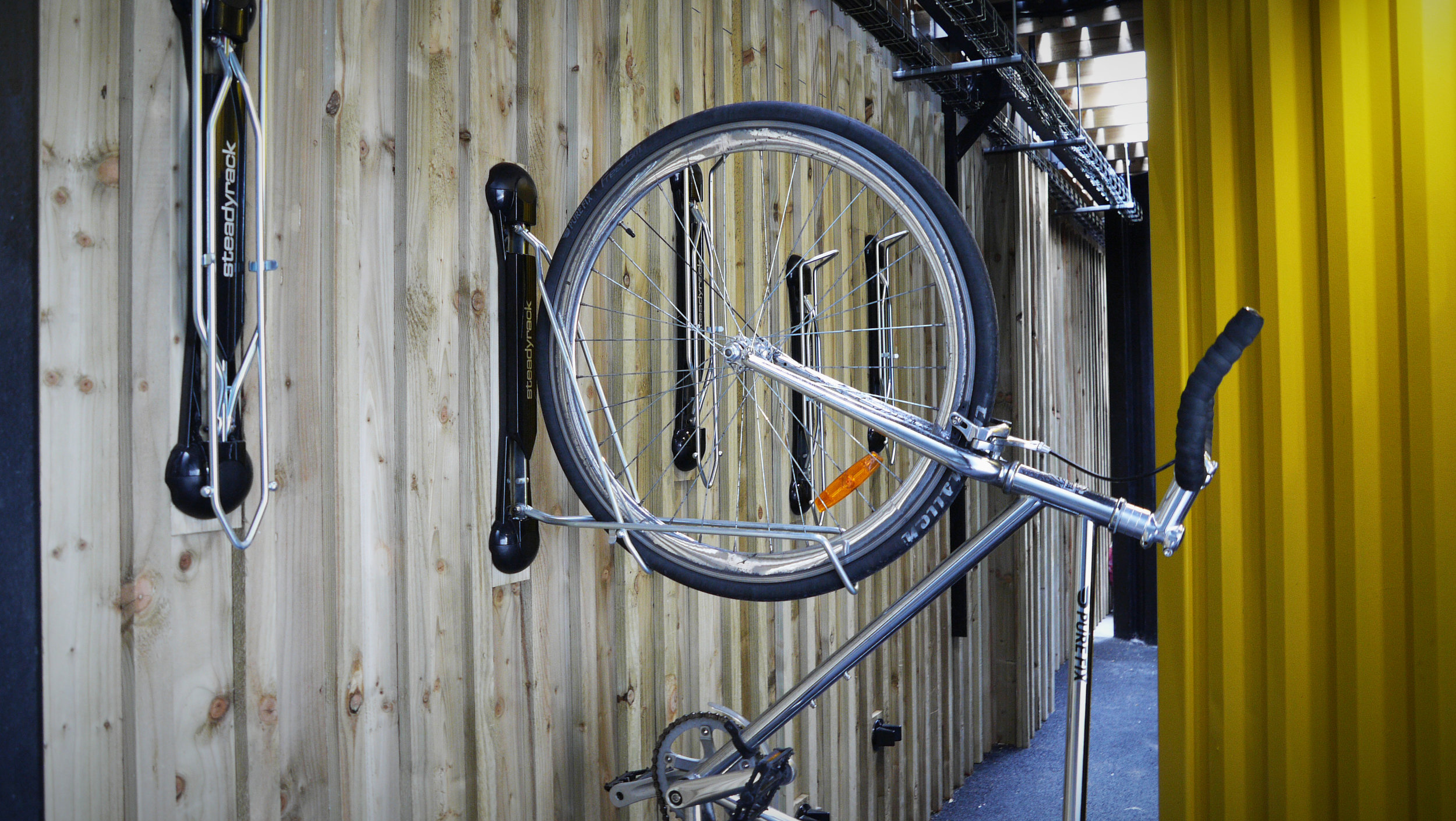 Recreation / Outdoor space - Outdoor terrace on first floorDedicated and designed smoking areaCycle racksEquipment lockersAccess to shower facilitiesLift access to first floor office