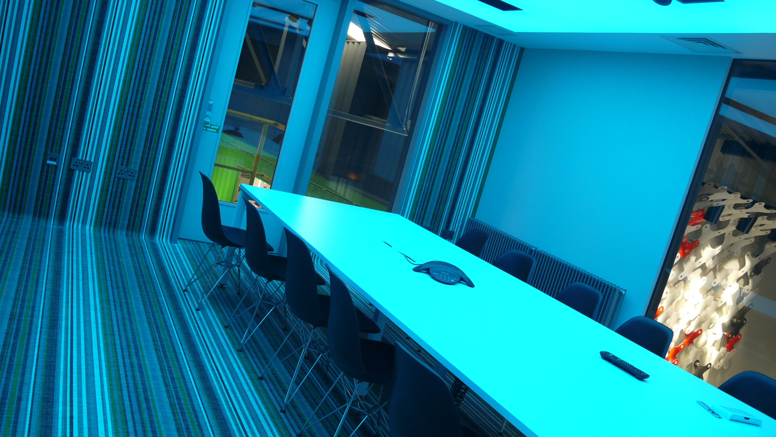 Meeting / Presentation room - Access to high spec meeting roomVideo conferencing facilities