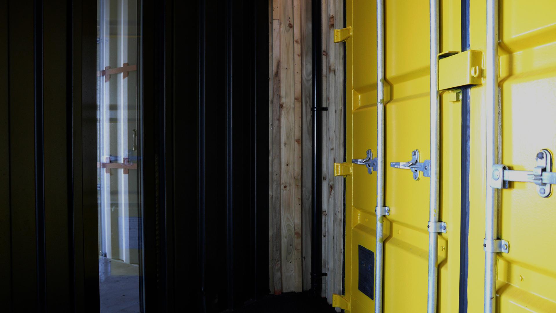 Bebox container doors