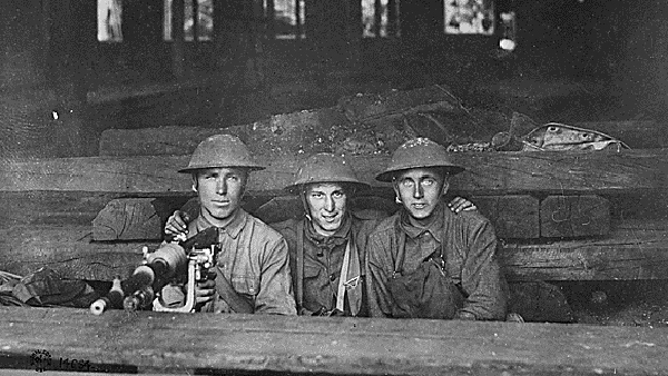 180704_wwi_soldiers_archives.jpg