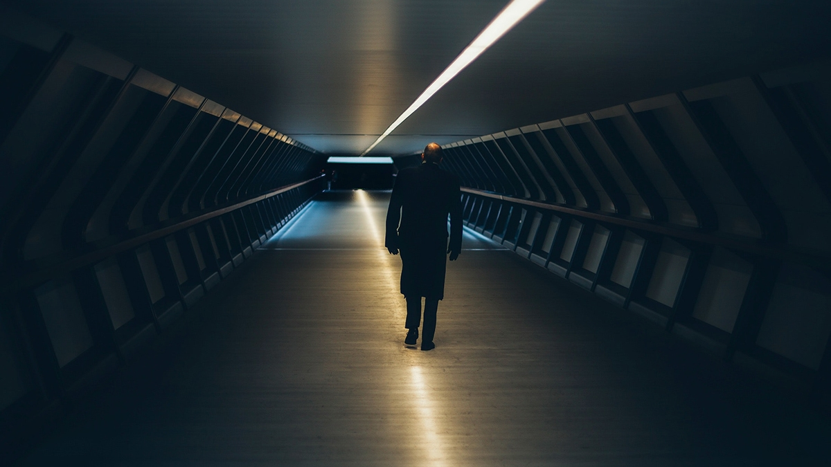 180801_walk_alone.jpg