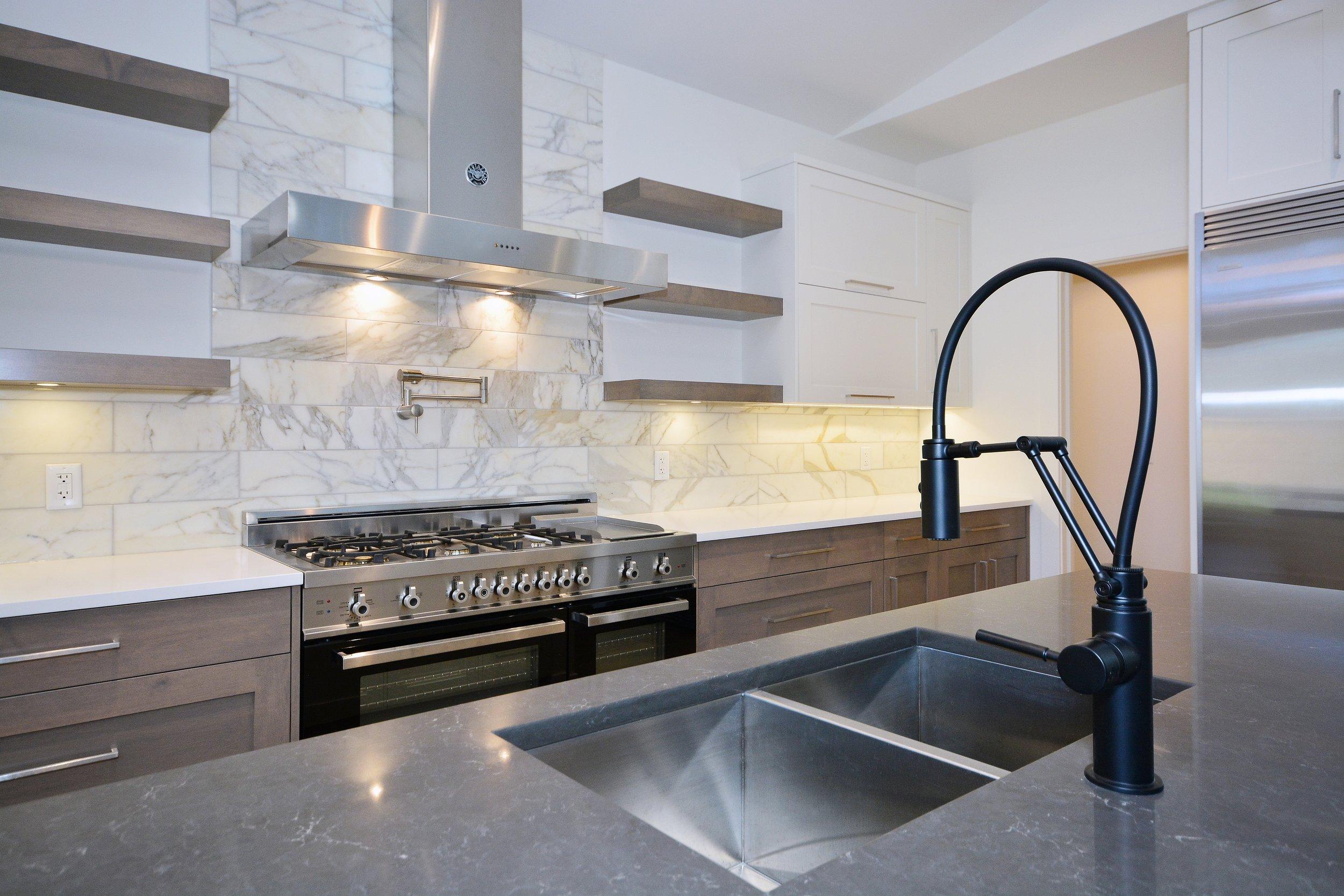 kitchen feature 1.jpg