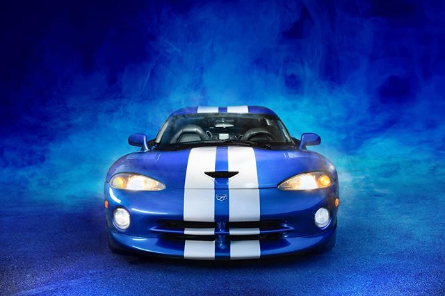 But this viper, y'all! 😍 #iwantit #dodgeviper #automotivephotography #bluesmoke