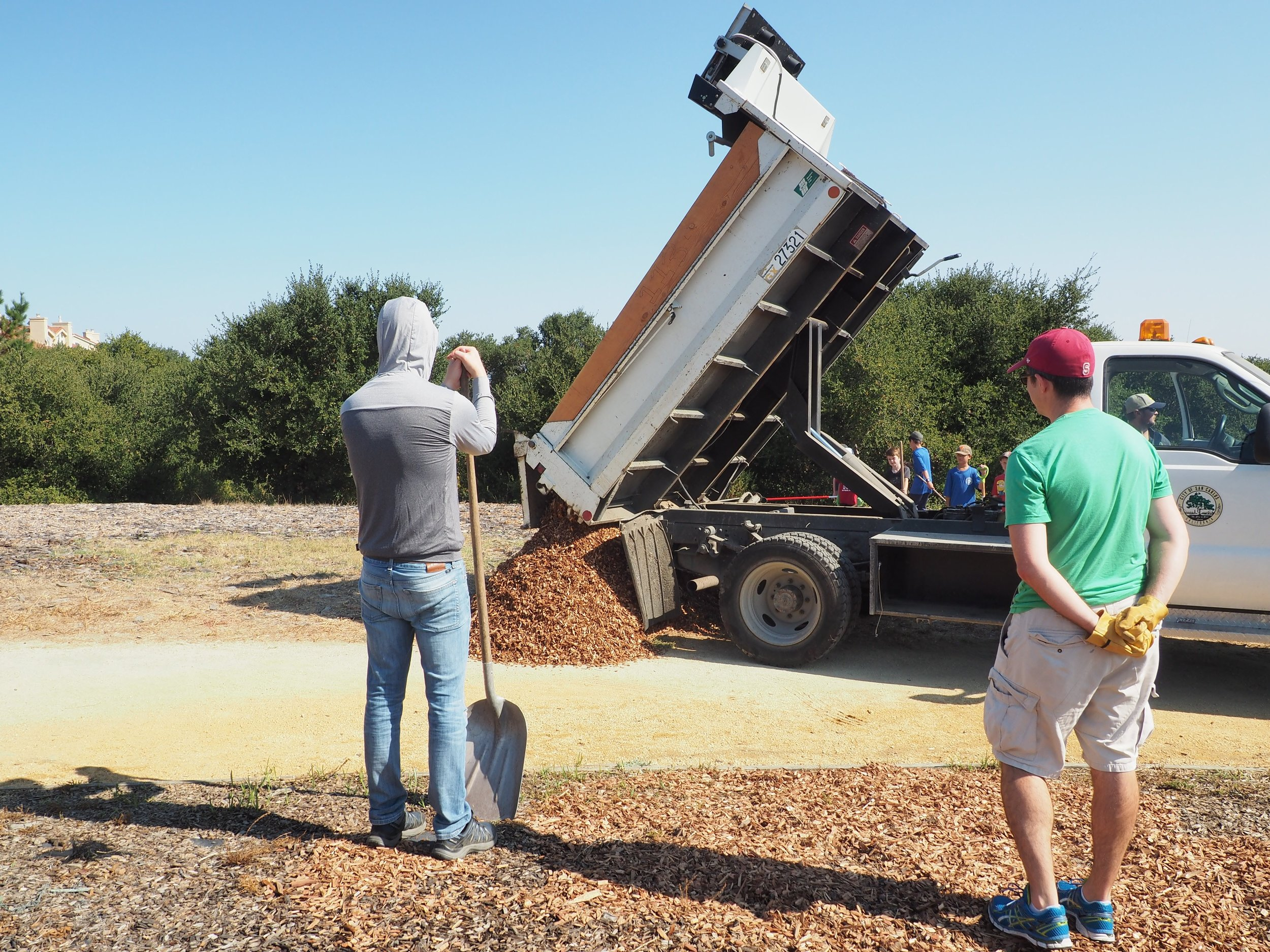 The mulch has arrived at Vista Park