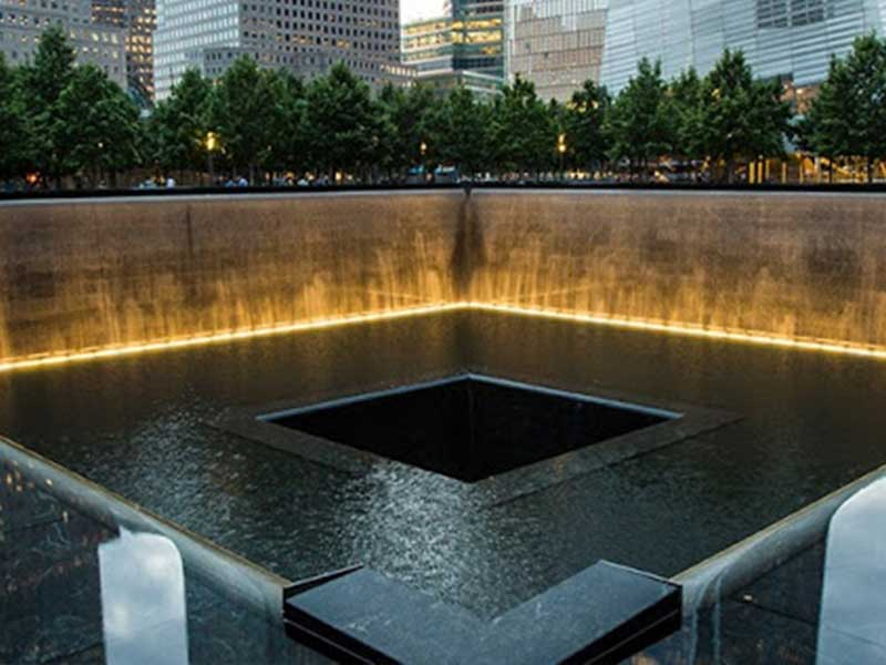locationimages_0001_9_11-memorial.png