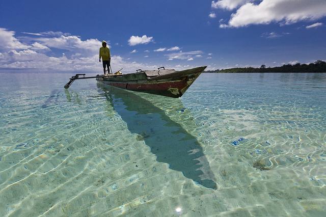 indonesia-halmahera-landscape-2130737_640.jpg