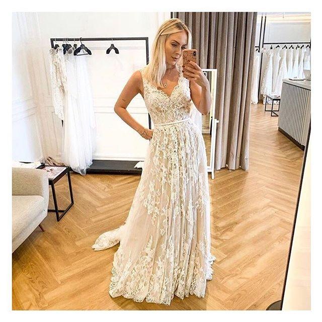 #tbt com a musa @tata simplesmente arrasando com nosso modelo Grace! Esse vestido é incrível meninas! Deixa um corpo maravilhoso!