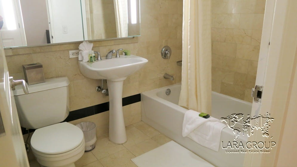 Financial District Luxury Furnished 1BR 15.jpg