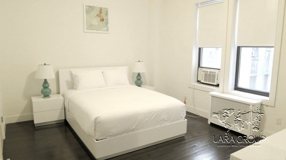 Midtown West Modern Furnished 3 BR 12.jpg