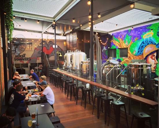 inside-bar.jpg
